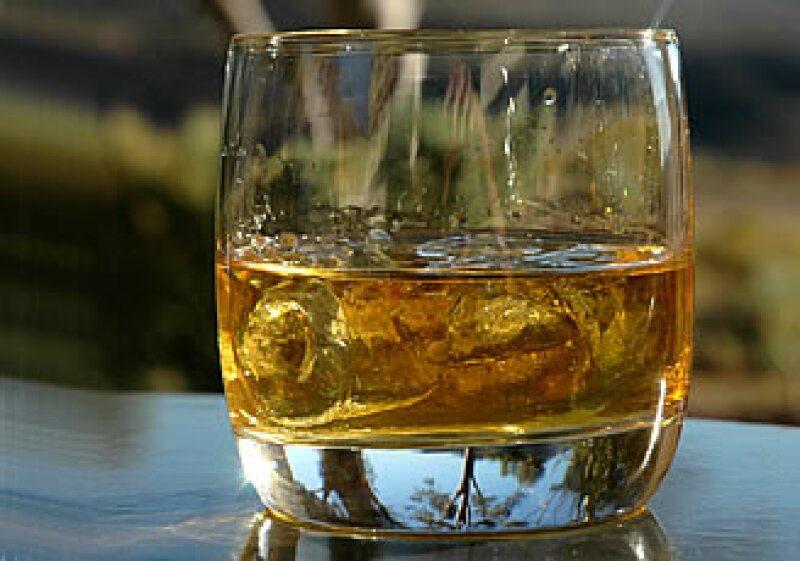 El Whiskey es una de las bebidas alcohólicas más consumidas del mundo. (Foto: Especial)