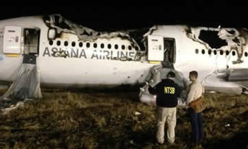 Un Boeing 777 se estrelló este sábado al tratar de aterrizar en el aeropuerto de San Francisco. (Foto: AP)