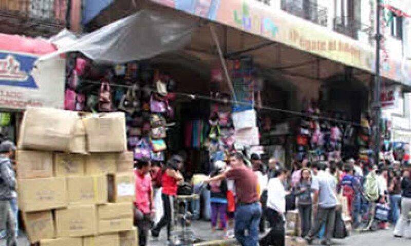 29 millones de mexicanos reciben sueldos muy bajos y son excluidos de las prestaciones de ley. (Foto: Archivo)