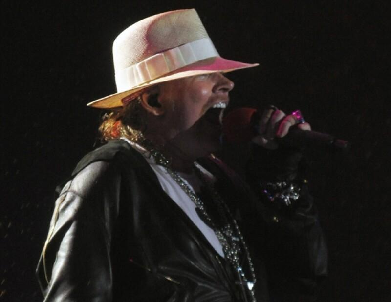 Axl Rose durante su actuación en el festival Rock in Rio 2011.