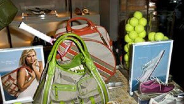 La tenista de 21 años fue elegida para ser la imagen de la línea deportiva de una conocida marca.