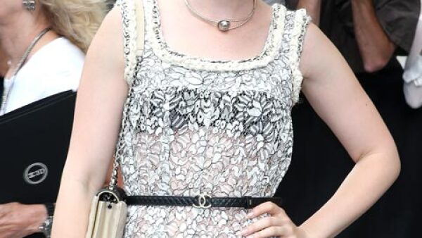 Lily Collins ha llamado la atención por su peculiar belleza.