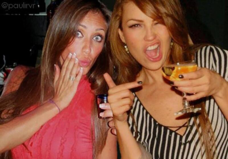 Después de que ambas han expresado su cariño y admiración mutua, un fan decidió hacer un fotomontaje de ambas `celebrando´ y la subió a Twitter, Thalía la compartió con sus seguidores.