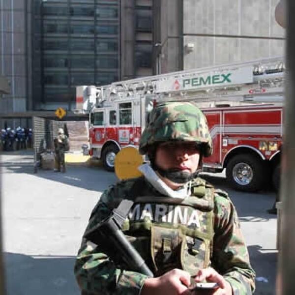 explosion Pemex rescate Ejercito Marina