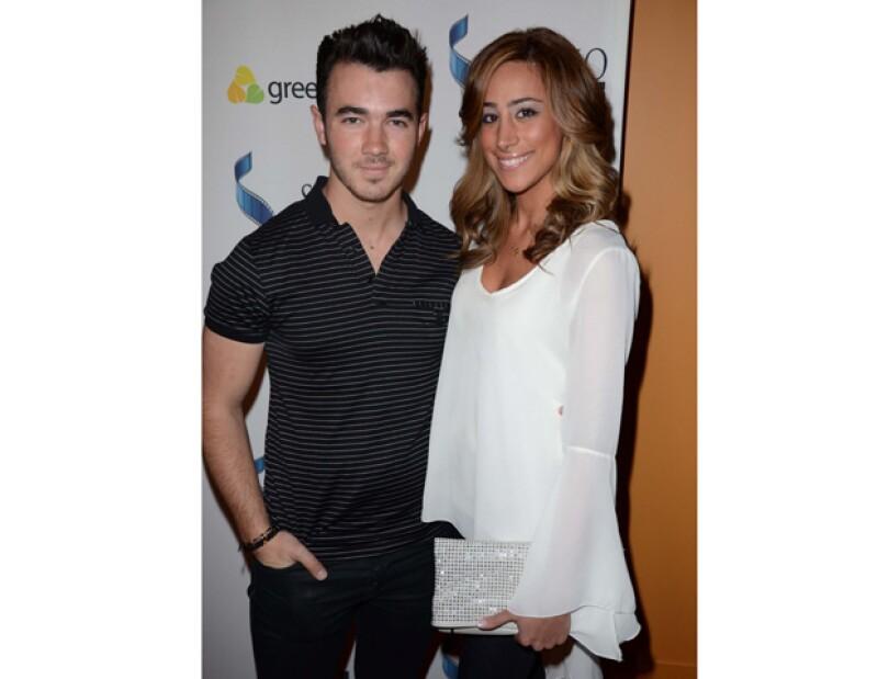 El cantante y su esposa Danielle Deleasa aparecerán en la cadena E! &#39Married to Jonas&#39, donde se contará la historia de cómo la pareja afronta su vida siendo centro de atención mundial.