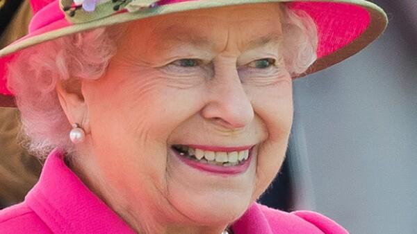 Todos tenemos ciertas manías y curiosidades con las que vivimos día con día. Sin embargo, no conocíamos aquel lado de la reina de Inglaterra.