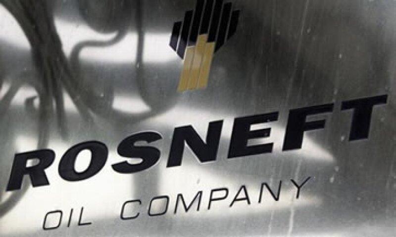 Pese a que sólo Gazprom tiene el derecho a exportar gas de Rusia, Rosneft busca obtener el derecho para hacer envíos de ese energético. (Foto: Reuters)
