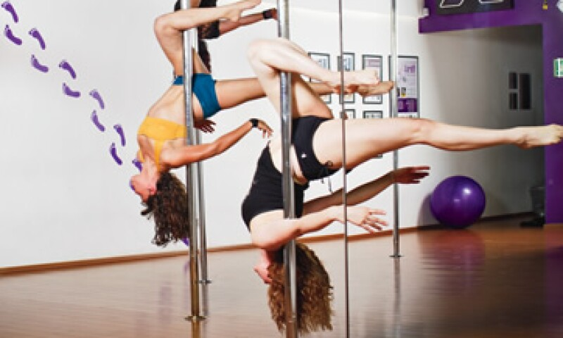 Gravity Pole Fitness Estudio encontró no sólo una novedosa forma de hacer ejercicio, sino también un negocio con grandes rendimientos para sus franquiciantes. (Foto: Carlos Aranda / Mondaphoto)