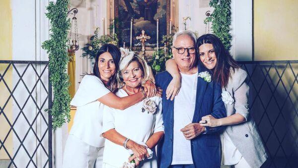 Silvia, Gianna y Fabrizio y Laura Pausini