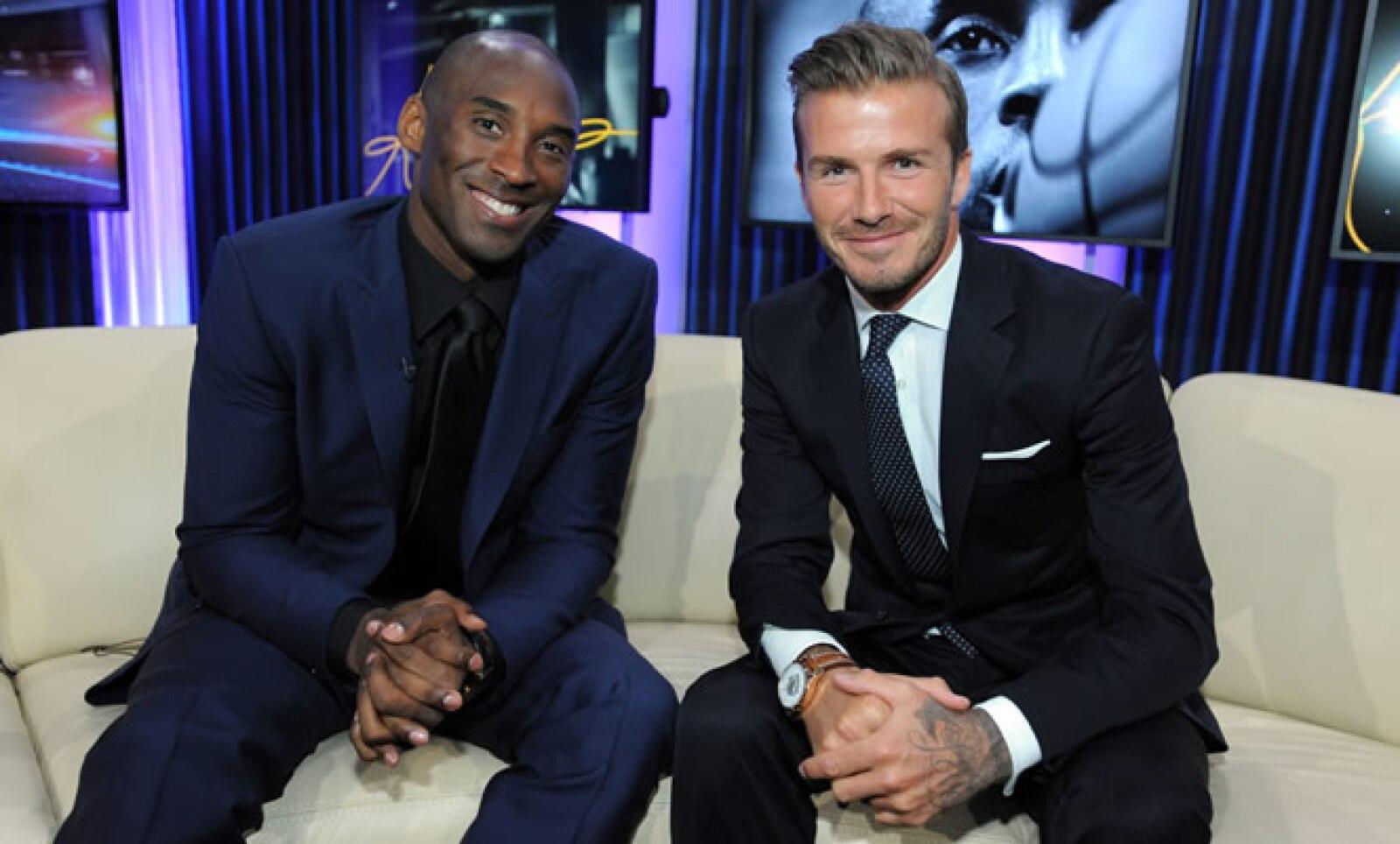Con Time Warner, participó en el lanzamiento del nuevo canal por cable dedicado exclusivamente a los deportes. En la foto posa con el basquetbolista Kobe Bryan.