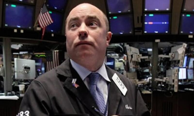 En línea con Wall Street, la Bolsa mexicana cerró con pérdidas este lunes. (Foto: Getty Images)
