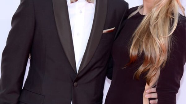El actor Aaron Paul llegó con Lauren Parsekian.