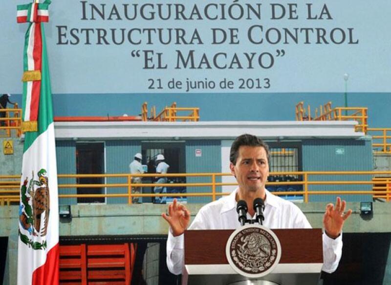 Inauguraci�n el Macayo