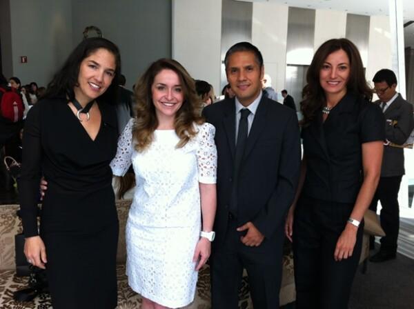Aquí Daniela Alatorre con la Directora Editorial, Bárbara Anderson, y el Editor Adjunto de Quién, Alejandro Ángeles.