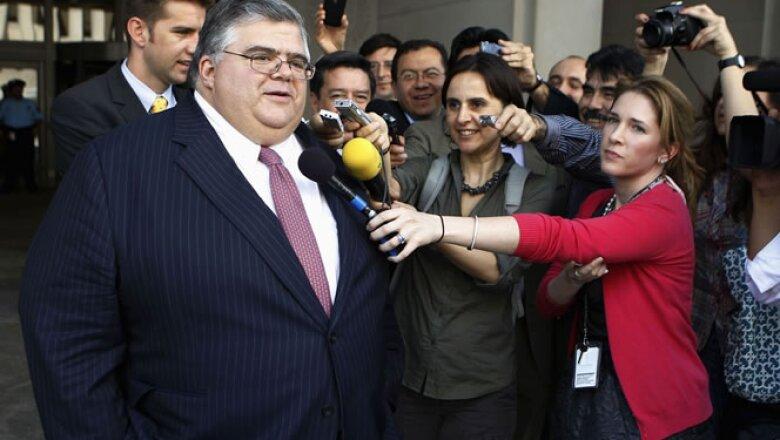 El gobernador del Banco de México, Agustín Carstens, sumó el viernes los apoyos de Canadá y Australia en un desafío significativo a la hegemonía de Europa al puesto más alto de la entidad.