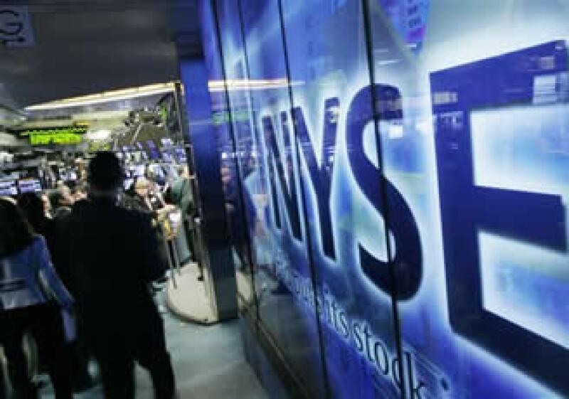 El incremento en el dato de la productividad empresarial impulsó al Dow Jones. (Foto: AP)