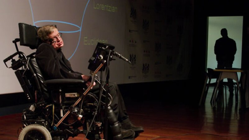El científico Stephen Hawking ofrece una charla