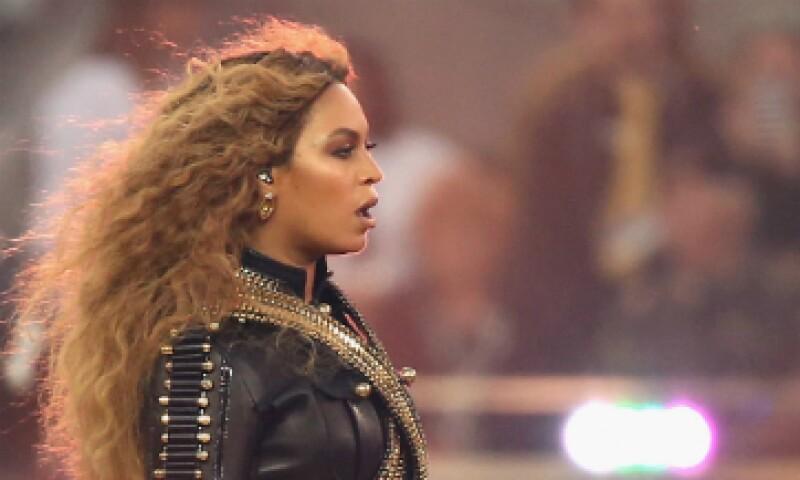 El valor neto de Beyoncé está estimado en 250 millones de dólares por Forbes. (Foto: AFP )