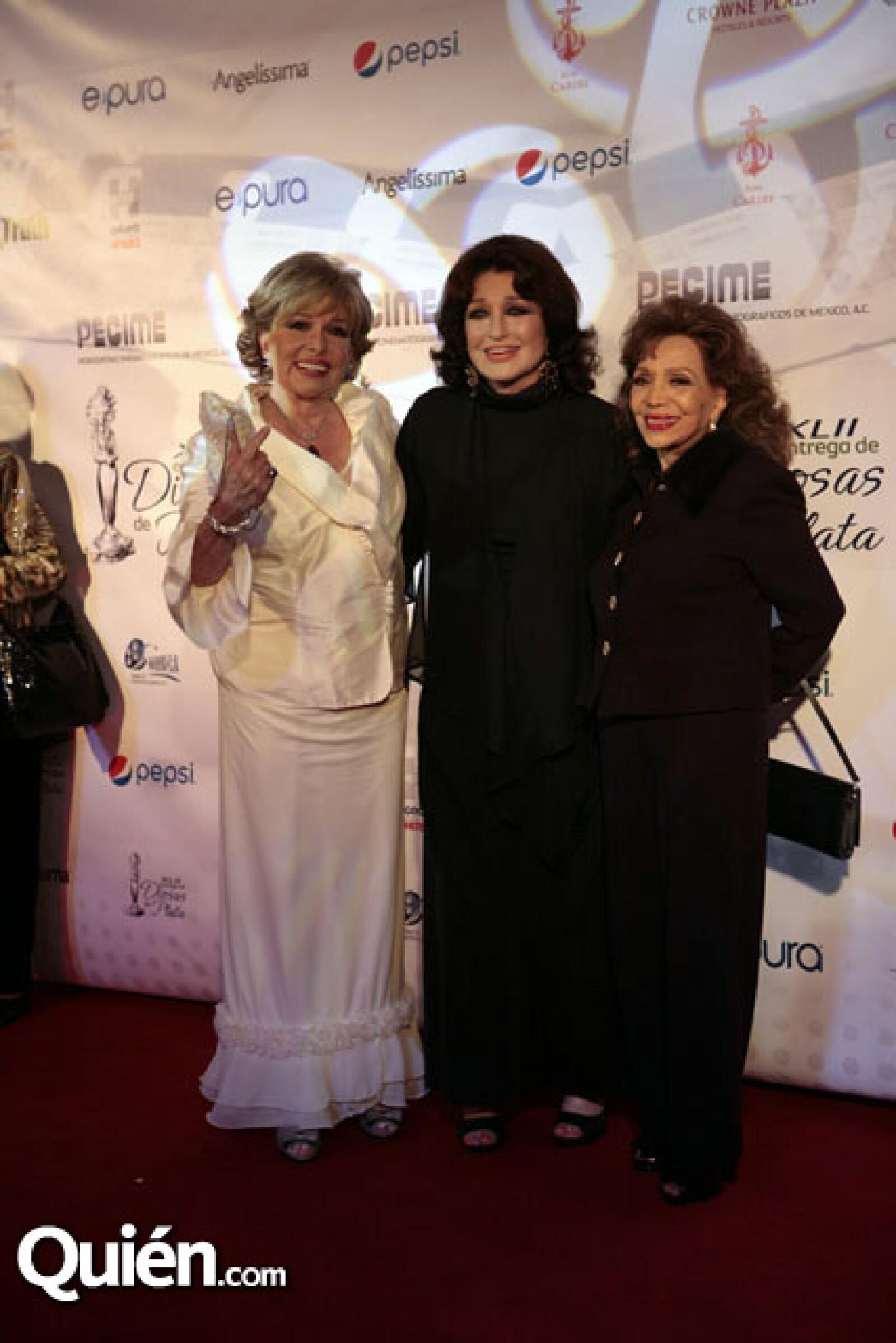 Luz María Aguilar,María Victoria,Angelica María