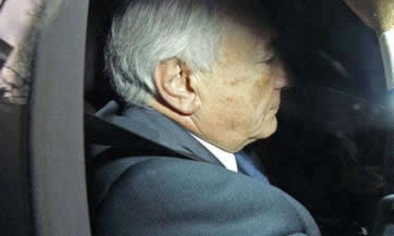 Strauss-Kahn, de 62 años, no hizo declaraciones cuando llegó en coche a la comisaría de Lille. (Foto: AP)