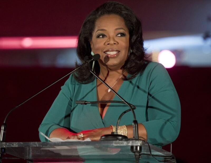 La periodista norteamericana recibió el galardón Liderazgo de Toda Una Vida por su aportación social, trayectoria y humanismo.