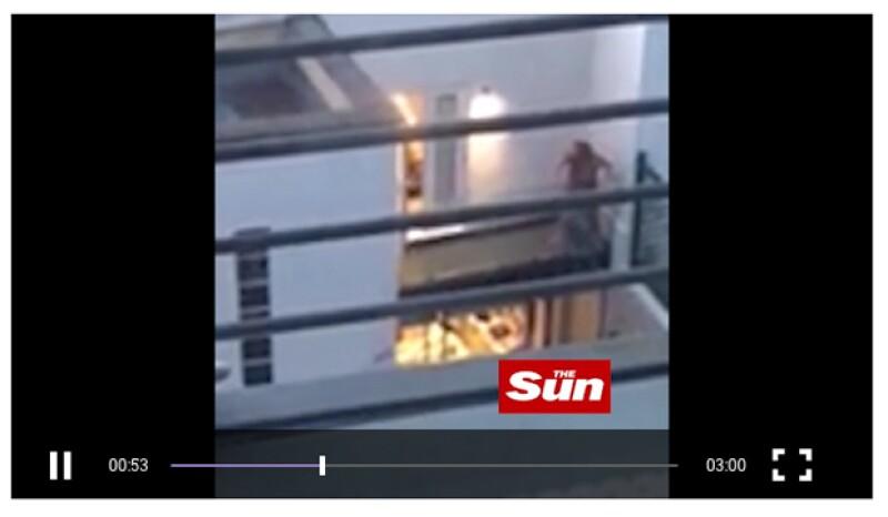 El medio inglés The Sun publicó un video en el que se ve la pelea entre Lindsay y Egor, en la que ella pide ayuda y lo acusa de haberla intentado matar.
