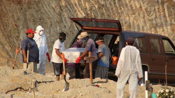 Sepelios en el panteón de Acapulco Guerrero de muertos por Covid 19