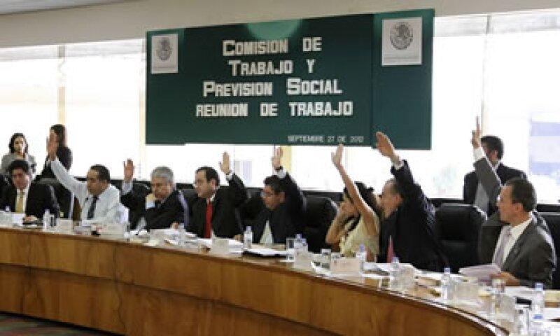 La Comisión de Trabajo y Previsión Social de la Cámara de Diputados discute 261 reservas al dictamen de reforma laboral. (Foto: Notimex)
