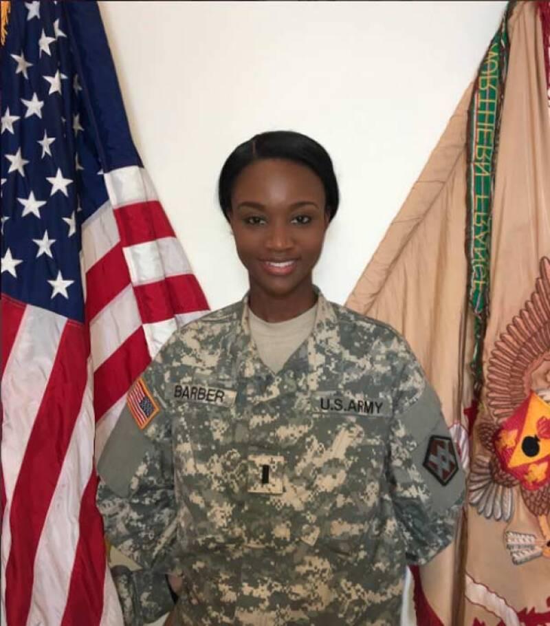 Sin embargo, antes de ser Miss, era parte del ejército.