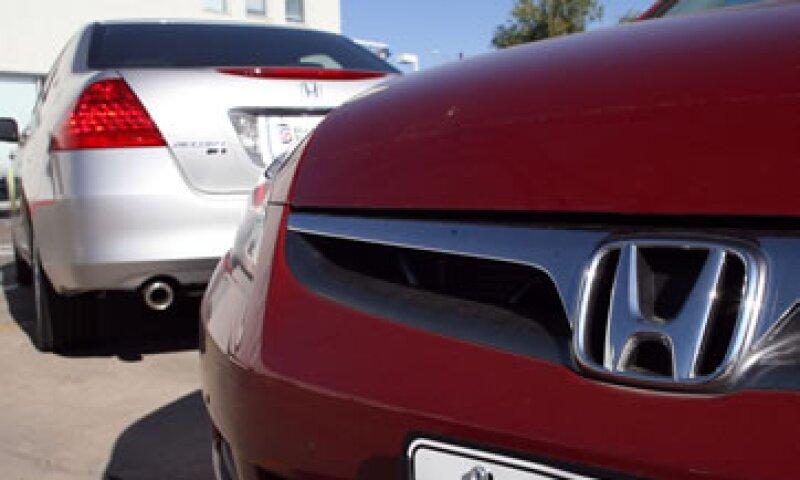 El retiro incluye 273,000 vehículos en EU. (Foto: AP)