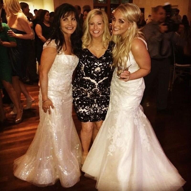 La mamá de Britney y Jamie Lynn no se vió nada bien usando blanco en la boda de su propia hija.