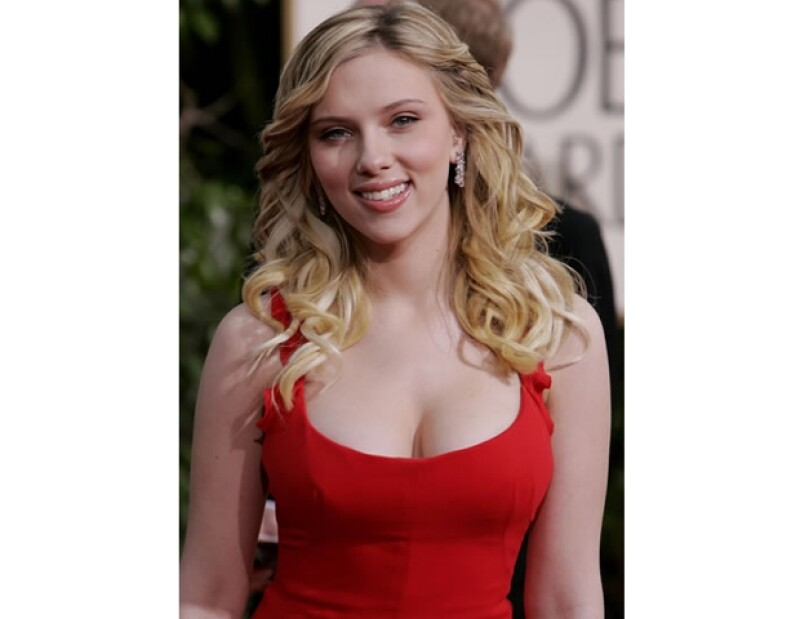 Scarlett Johansson: Esta guapa rubia es una asidua lectora.