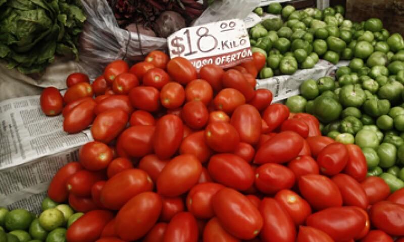 Los grupos financieros pronostican una inflación de 0.69% en la primera quincena del año. (Foto: Cuartoscuro)