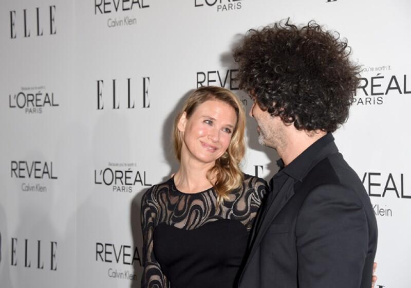 Parece que la famosa actriz está muy enamorada de su futuro esposo.