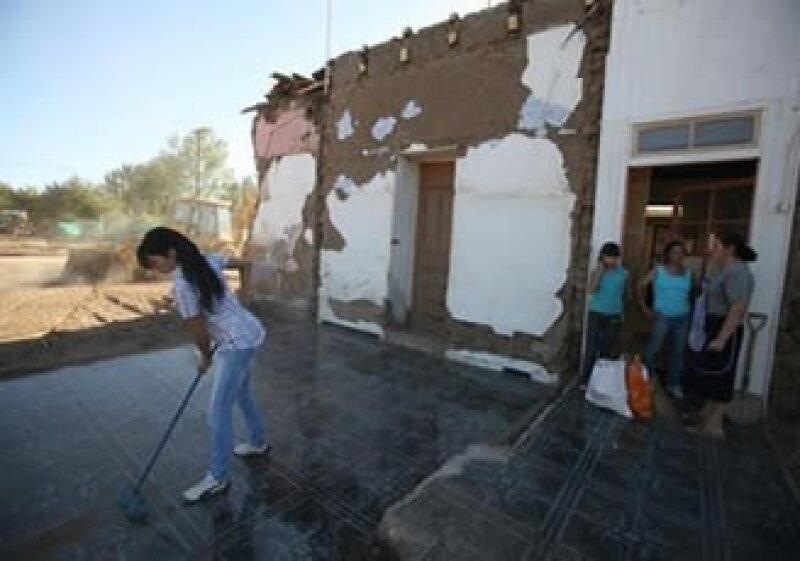 Un menor crecimiento de Chile en 2010 está entre las consecuencias del terremoto que lo azotó. (Foto: Reuters)