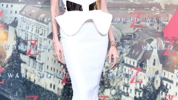 Jolie obtuvo 13 millones más que el año pasado y nueve millones más que la segunda del ranking, Jennifer Lawrence, informó el portal El Nacional.