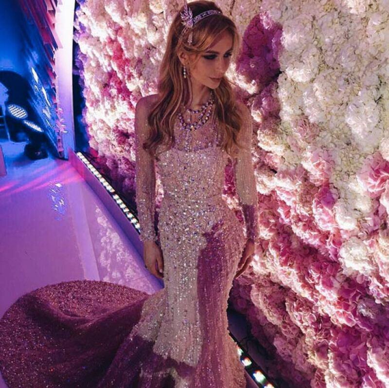 Salome lució este y dos impresionantes vestidos de novia más.
