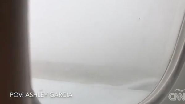 Una pasajera captó el accidente que sufrió el avión de Aeroméxico en que viajaba