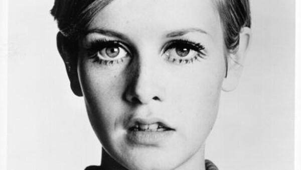 Twiggy marcó tendencias como la primer supermodelo de la historia. El pixie cut fue su sello personal: clásico, elegante y atrevido a la vez.