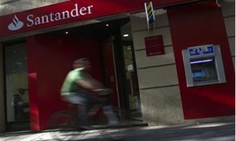 Santander dijo que las acciones comenzarán a cotizar en México y Nueva York alrededor del 26 de septiembre.  (Foto: Reuters)