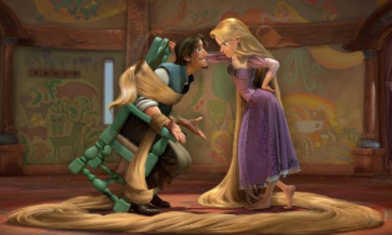 Mandy Moore y Zachary Levi, quienes realizaron las voces de los personajes principales en la versión en inglés, retomarán sus papeles para la serie. (Foto: Walt Disney Pictures/ Cortesía)