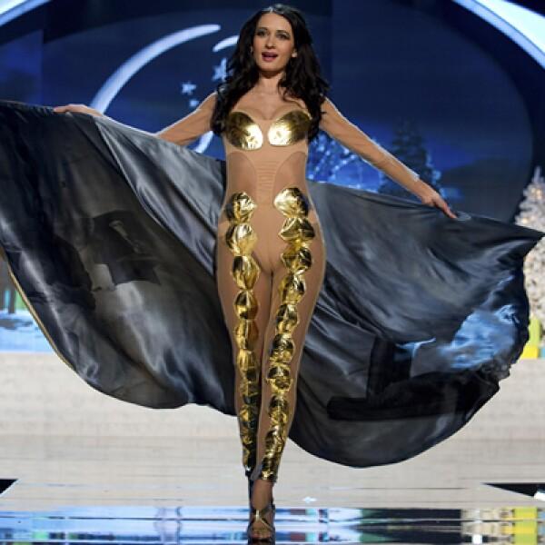 Miss Rumania, Delia Monica Duca, buscará ganar la famosa corona de diamantes.