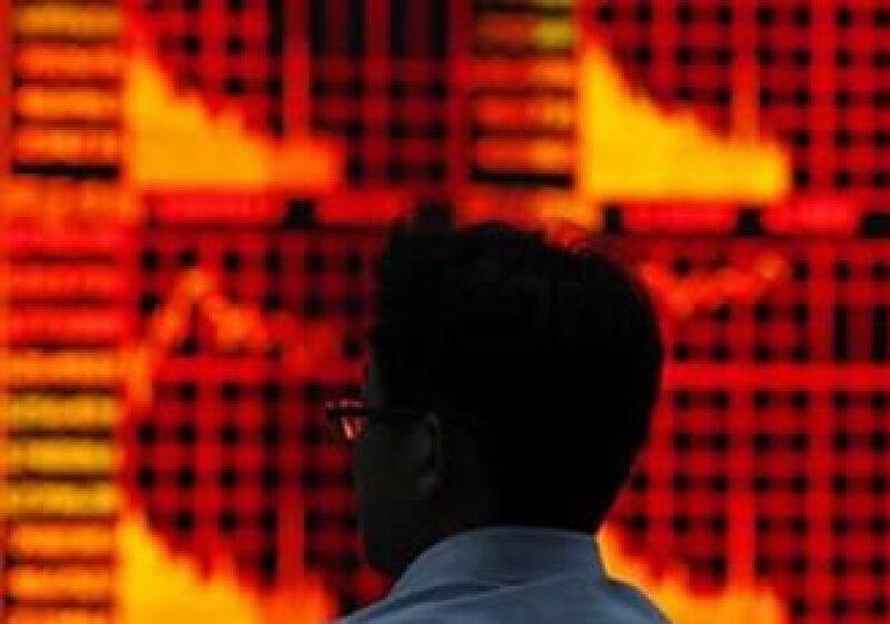 El Gobierno chino puede elevar la tasa de interés para frenar la inflación que alcanzó un máximo en octubre de 25 meses. (Foto: Reuters)