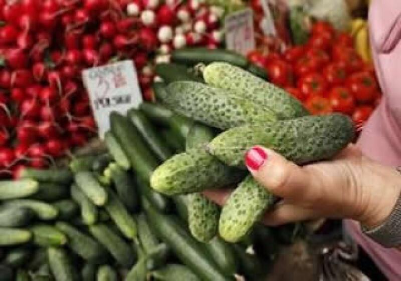 Los exportadores estiman que unas 150,000 toneladas de productos a la semana se están quedando en los almacenes o sin recolectar. (Foto: Reuters)