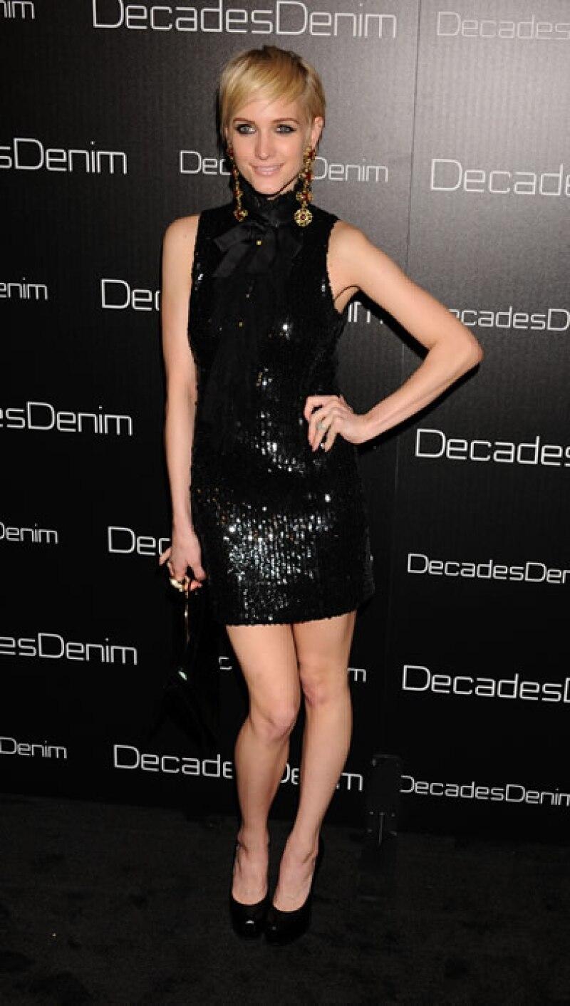 Ashley Simpson reveló una imagen mucho más chic y sensual después de su divorcio con Pete Wentz.