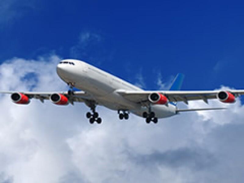 Su compañero de al lado en el avión, puede ser un experto en innovación, ¿pregúntele? (Foto: Dreamstime)
