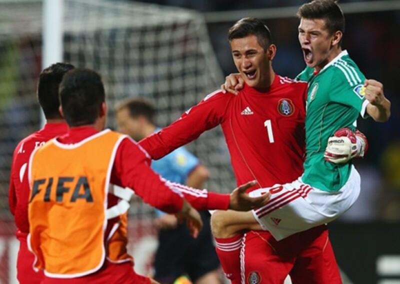 El presidente de la República felicitó a la selección mexicana de fútbol por su triunfo ante la escuadra carioca y avanzar a semifinales para la Copa Mundo en su categoría.