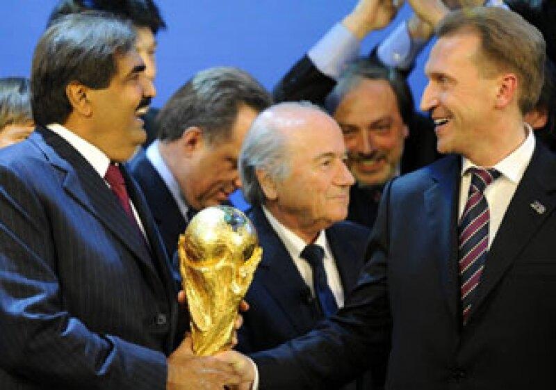Rusia y Qatar serán las sedes para la Copa Mundial de 2018 y 2022, respectivamente. (Foto: Cortesía Mediotiempo.com)
