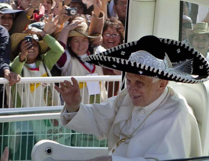 Para despedirse, el Santo Padre confesó qué por fin comprendió por qué su antecesor guardaba tanta cercanía con nuestro país; hoy parte con rumbo a Cuba.