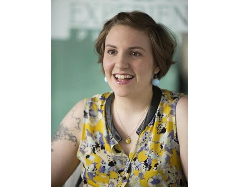 Lena Dunham usa los comentarios positivos y negativos que recibe de la serie en las redes sociales para escribir nuevas ideas y crear contenido para la historia.